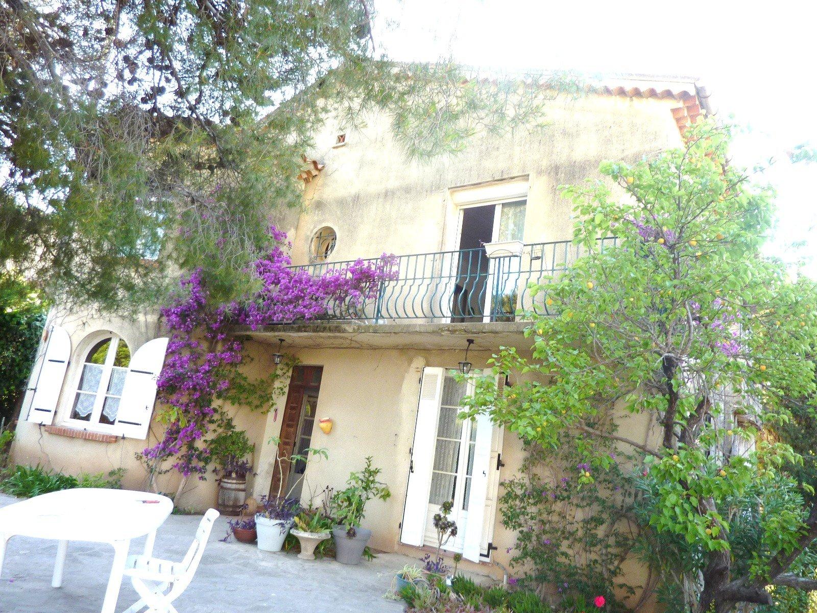 Maison-Villa - Carqueiranne