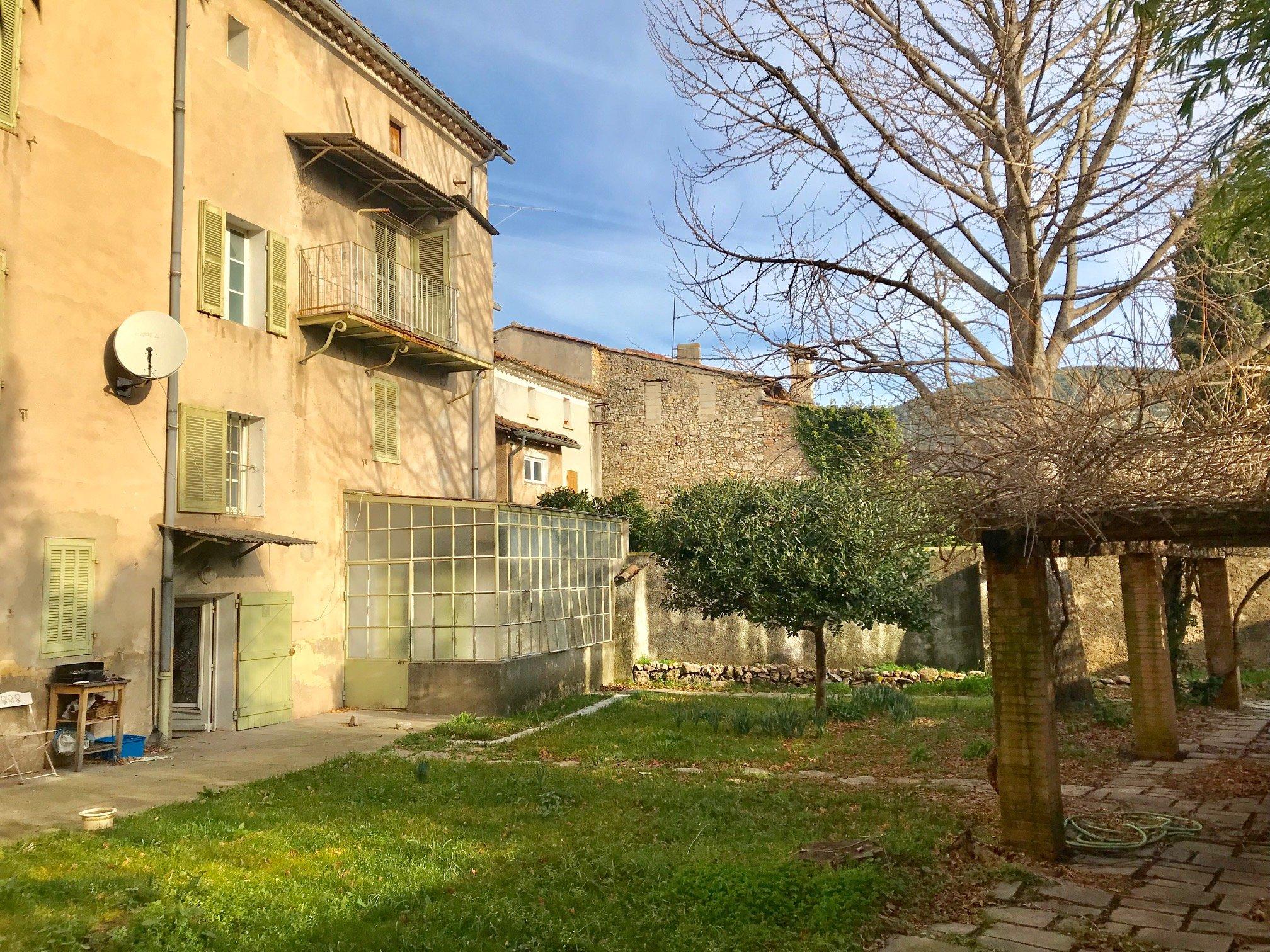 Maison-Villa - Solliès-Toucas
