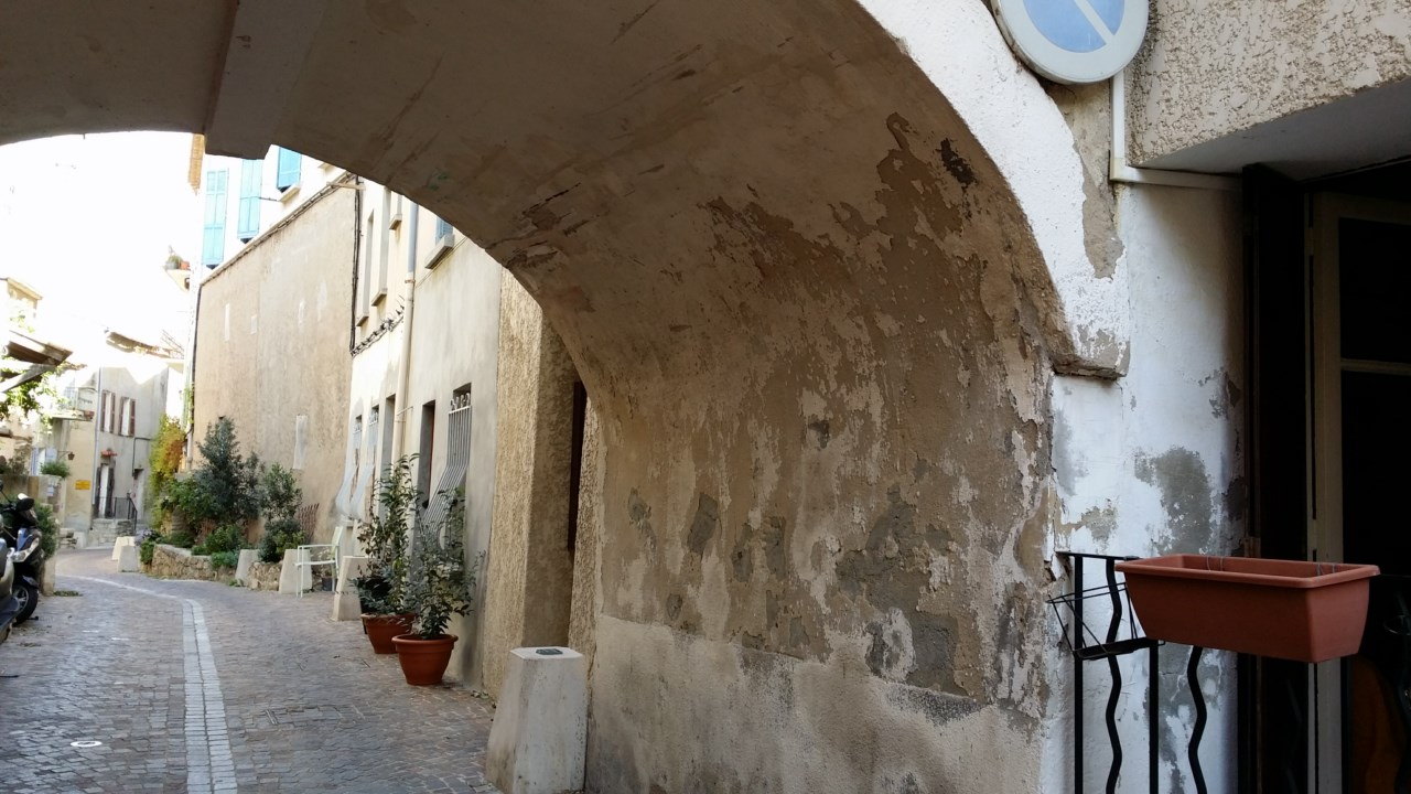 LOCATION T1 A LA GARDE CENTRE ANCIEN