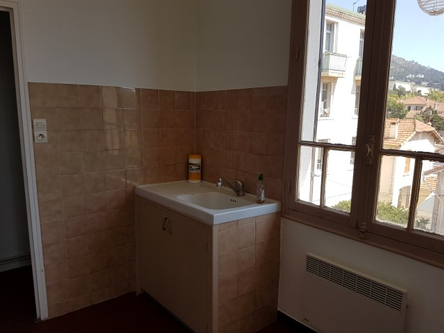 Locations appartement t4 f4 toulon sainte anne 3eme et for Site de location appartement