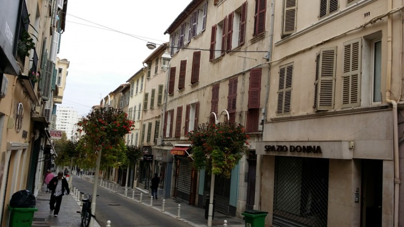 location toulon T2 au coeur du mourillon