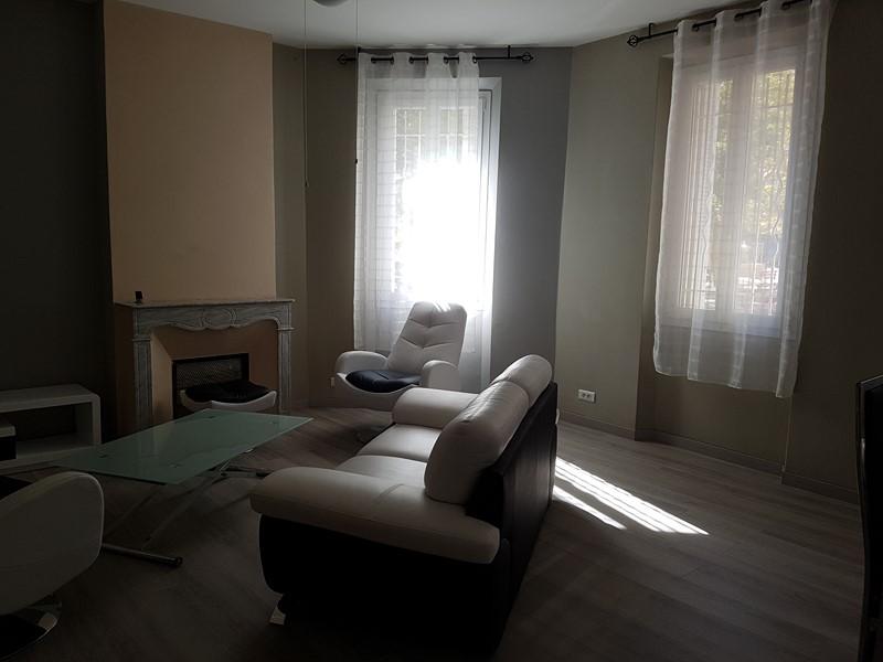 Location Appartement T3 TOULON PONT DU LAS ENTIEREMENT RENOVE ET MEUBLE AVEC GOUT