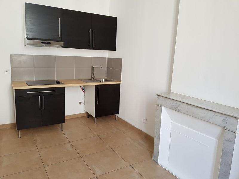 Location Appartement T2 TOULON SAINT ROCH DANS PETIT IMMEUBLE DANS PETITE RUE AU CALME