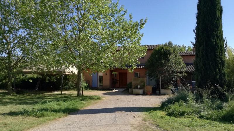 Vente VILLA T8 HYERES VALLEE DE SAUVEBONNE IDEAL GRANDE FAMILLE - TERRAIN 6761 M² - 595.000 €