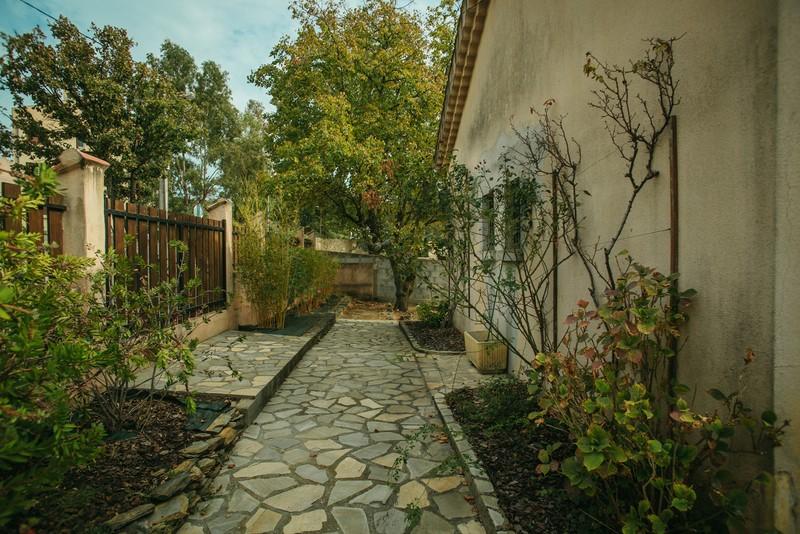 villa Pierrefeu lumineuse et piscinable