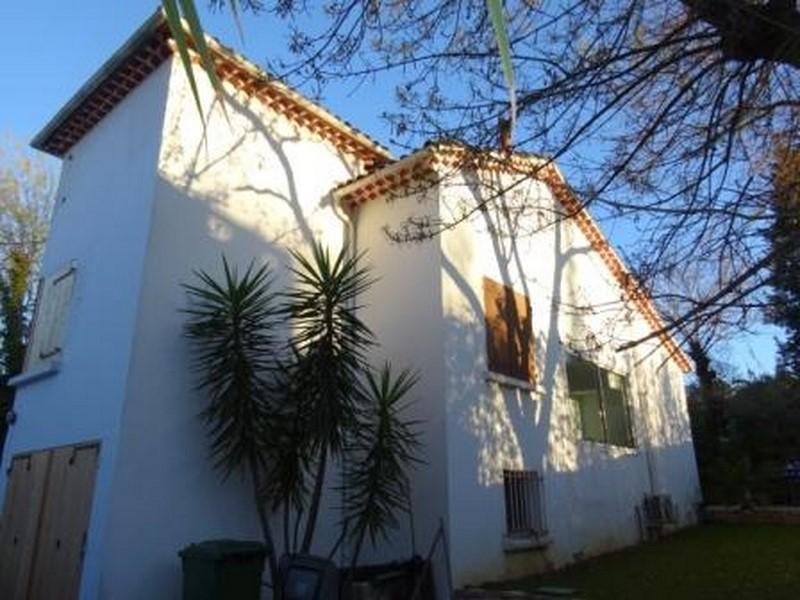 villa cap brun avec jardin