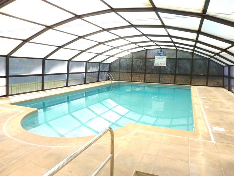 VENTE APPARTEMENT TRAVERSANT PISCINE COUVERTE
